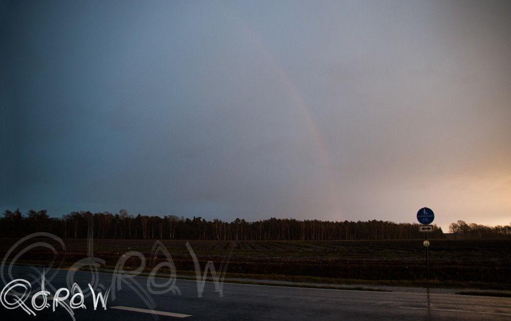 Regen En Zonneschijn : Dag na zonneschijn komt weer regen tussen camera s en koffers