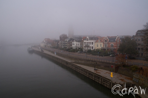 Deventer in de Mist (2015) ; Deventer, Mist, Skyline, kade, ijssel | foto 1