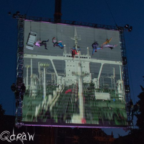 Deventer op Stelten 2013; As The World Tipped van Wired Aerial Theatre (UK)