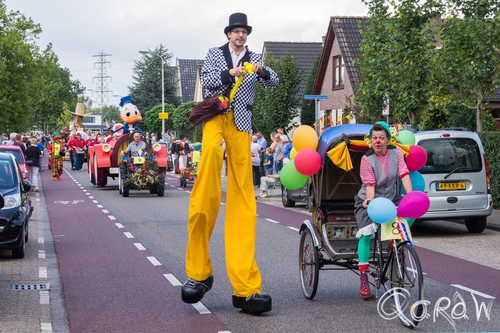 Klompenfeest Twello (2014) ; Havekes Molle, De entertainmentkoning, optocht, Twello | foto 4