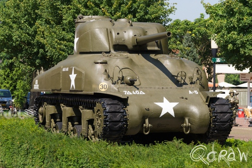 Oorlogsmuseum Overloon (2015) ; Liberty Park, overloon, sherman tank | foto 1