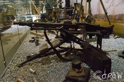 Oorlogsmuseum Overloon (2015) ; Liberty Park, overloon, mg-42, Maschinengewehr 42, Universal-Maschinengewehr Modell 42, machinegeweer | foto 4