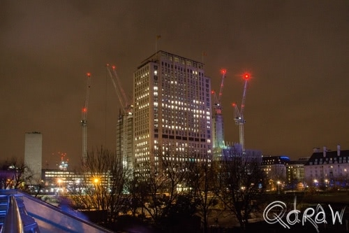 London by Night (2017) ; Shell Building, Themes, Hungerford Bridge and Golden Jubilee Bridges | foto 4