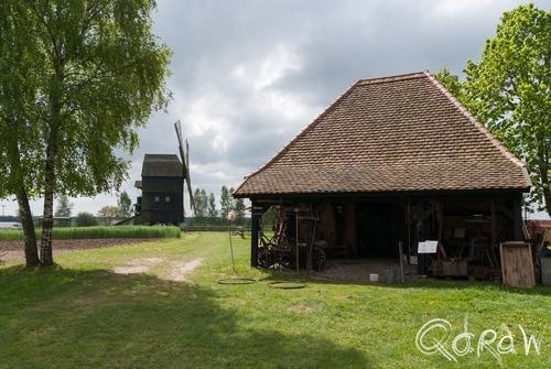Vakantie Blankenhagen (Duitsland) mei 2014 vakwerk, smid, molen, Schmiede Groß Lantow, Gross Lantow Forge, Lantow (near Laage) Around 1829, Use until 1961, blacksmith, Bockwindmühle Groß Ernsthof, Gross Ernsthof Trestle Wind Mill, Built in Gross Ersthof near Wolgast in 1795, grain mill | foto 17